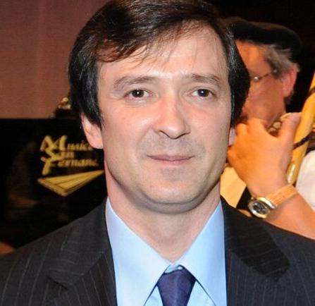 Félix Villalba (Moderador)