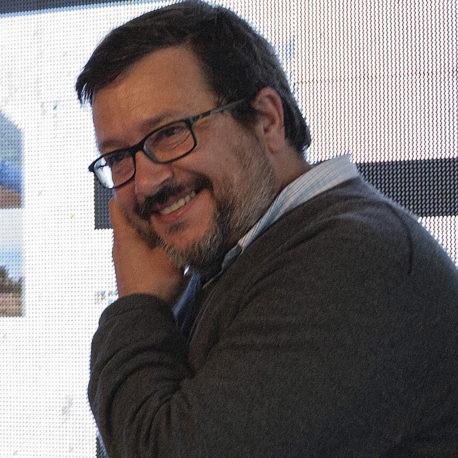 Joaquín Alcalde (Moderador)