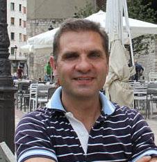 Roberto Lozano (Moderador)