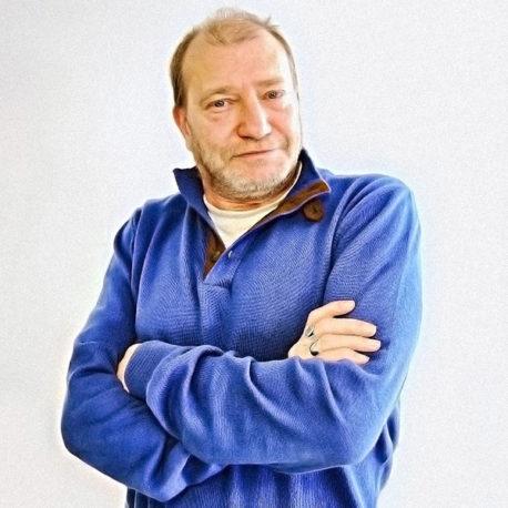 Roberto Ortega (Moderador)